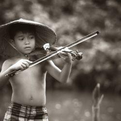black-and-white-blur-boy-child-392027